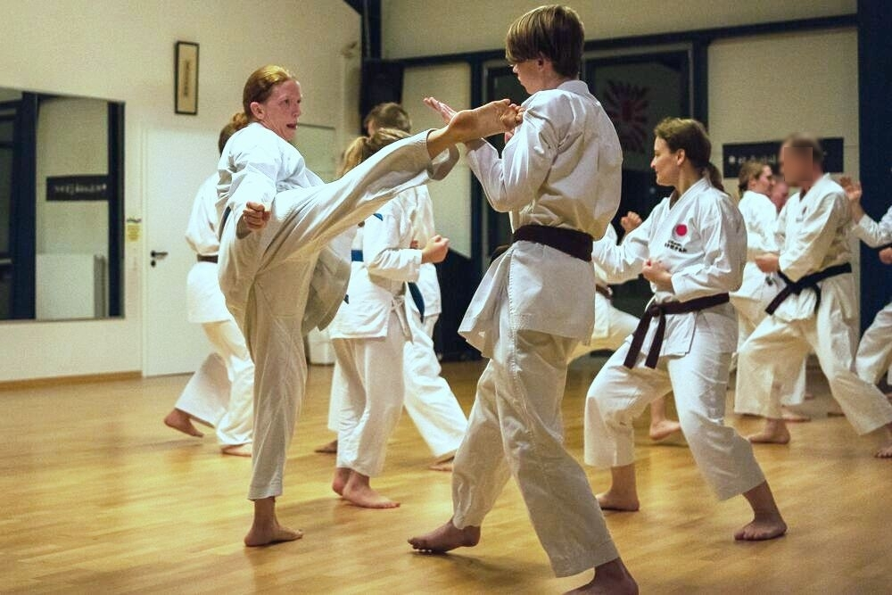 JKA Karate Kick Frauen 1